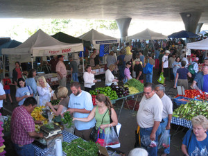 Sacramento's Freeway Farmer's Market
